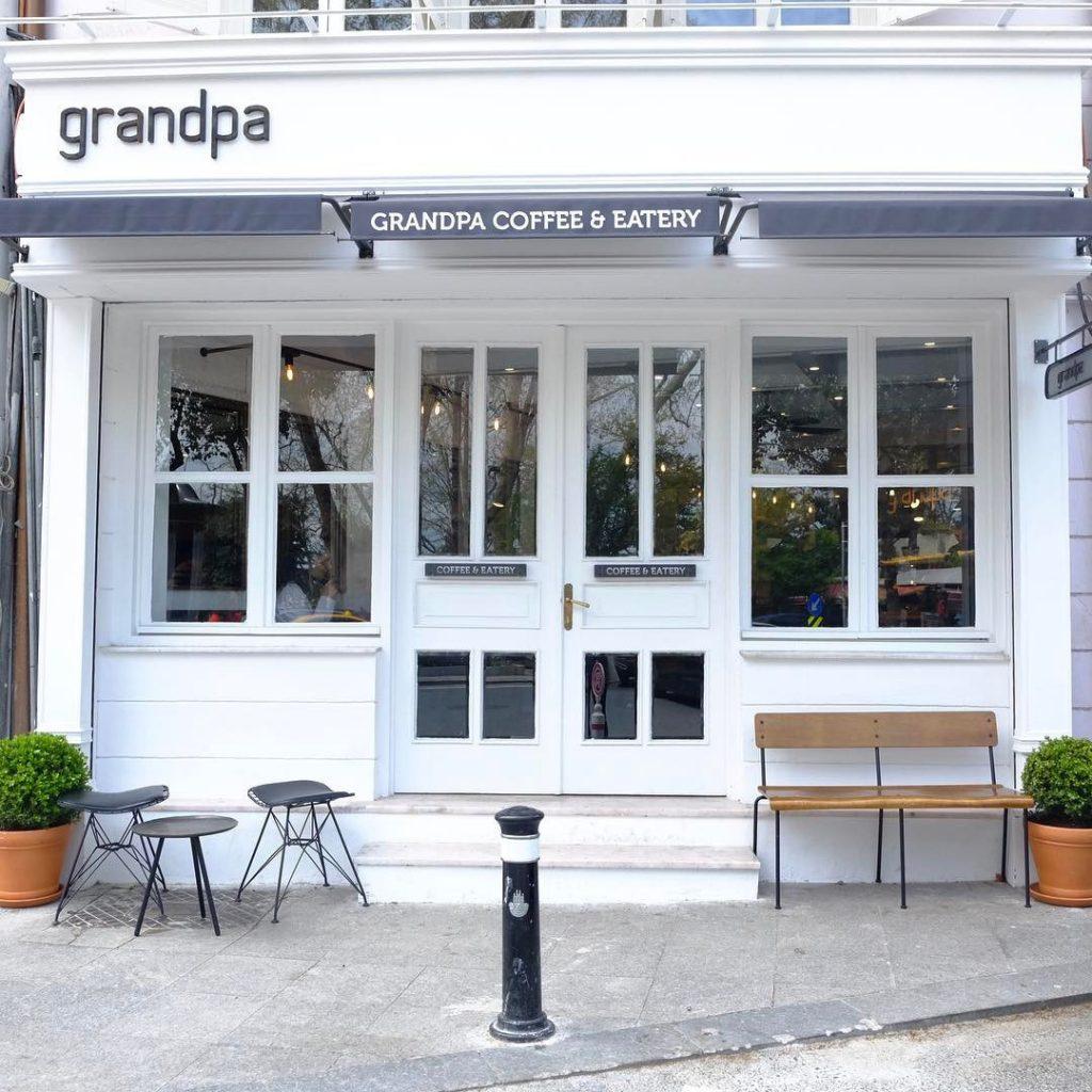 Grandpa Coffee & Eatery Bebek