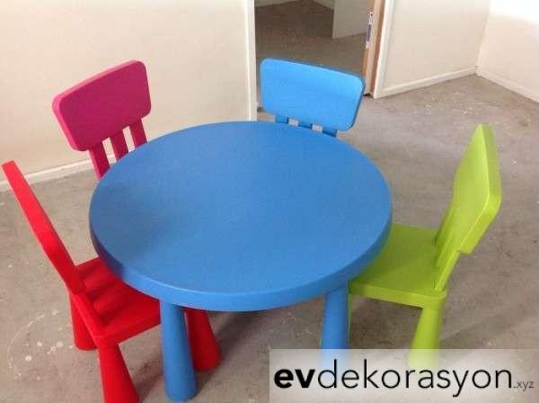 İkea Plastik Çocuk Masa Sandalye Takımı Renkli