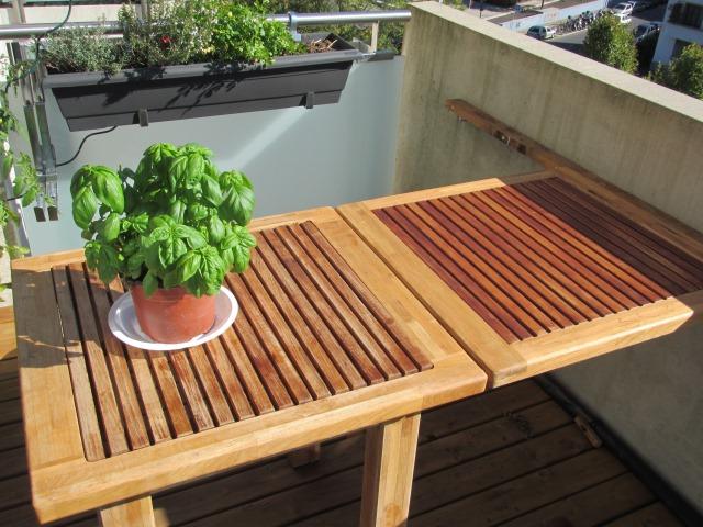 açılır kapanır balkon masası modeli