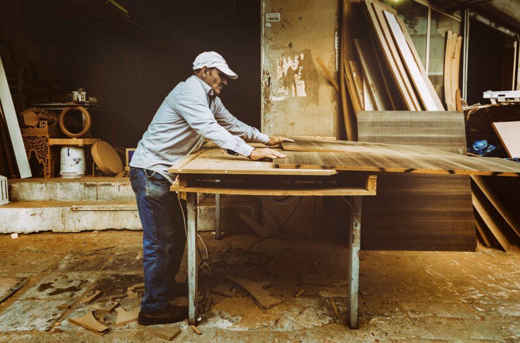 kişiye özel üretim yapan mobilya atölyesi